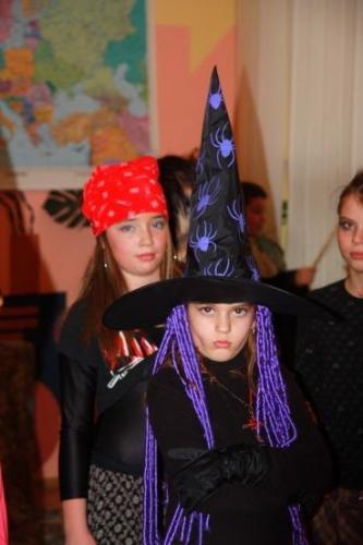 2008-10-29-halloween-party-03-velke