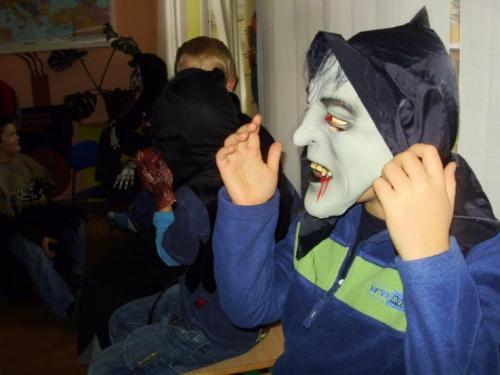 2008-10-29-halloween-party-12-velke
