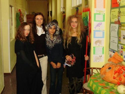 2008-10-29-halloween-party-15-velke