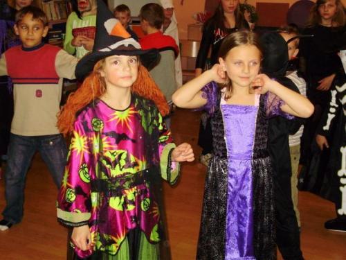 2008-10-29-halloween-party-16-velke