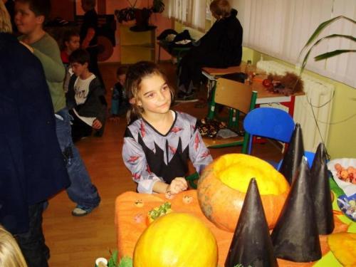 2008-10-29-halloween-party-17-velke