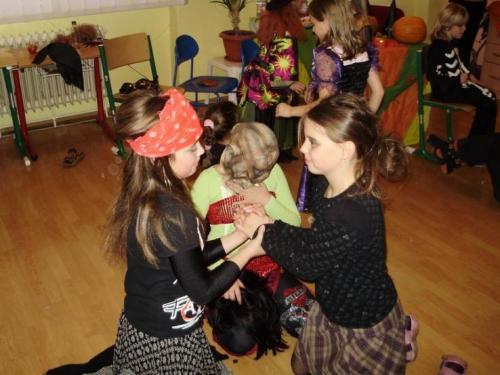 2008-10-29-halloween-party-19-velke