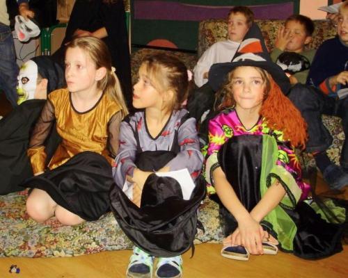 2008-10-29-halloween-party-20-velke