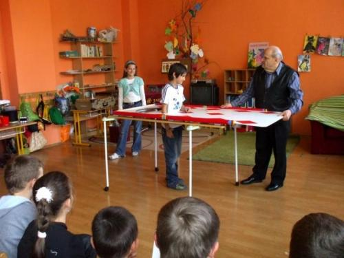 2010-04-28-kuzelnik-v-skolskom-klube-07-velke
