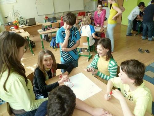 peer-skupina-na-skole-aktivity-v-triedach-13-velke